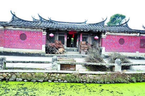 目前藏于永春白鹤拳史馆的108斤关公刀.