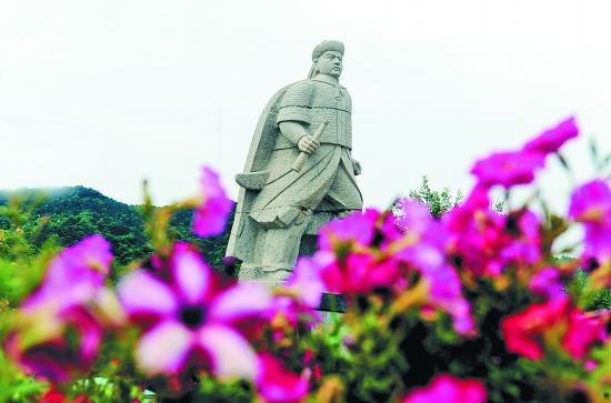 邓世昌雕像 (新华)