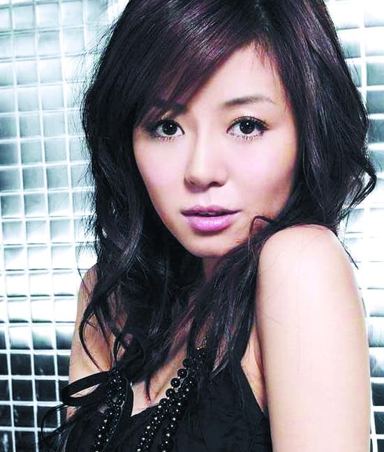 安又琪/安又琪是一个来自黑龙江小城的22岁平凡女孩,从小喜欢唱歌,...