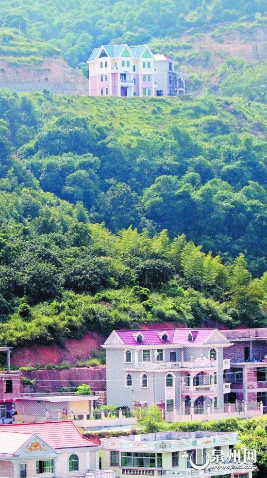 别墅 编织 幸福路/乡村小别墅随处可见,房子越盖越高,越盖越漂亮。