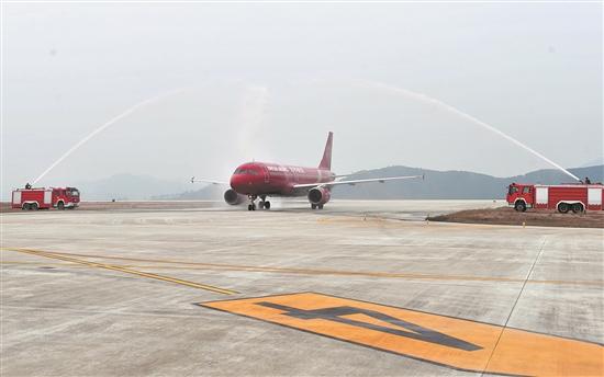 首航飞机航班号为ho1109的上海吉祥航空公司全新空客