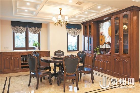 美式风格  装修金额:18万元(不含主材)  装修主材:大理石瓷砖,护墙板图片