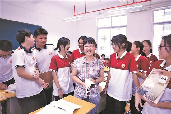 鼓励社员及学生积极创作 打造快乐课堂培养文学兴趣